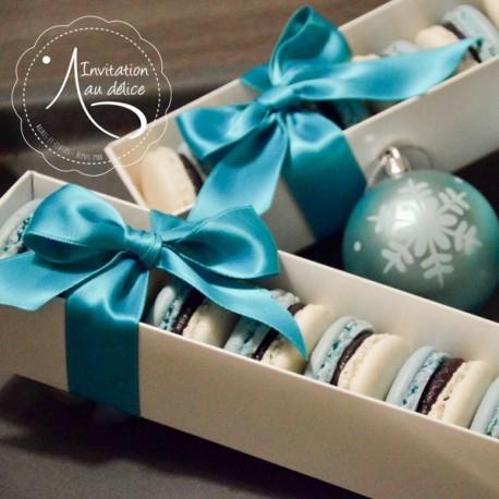 Coffret de 8 Macarons Bi-Colores Coffret Blanc Avec Noeud Satin