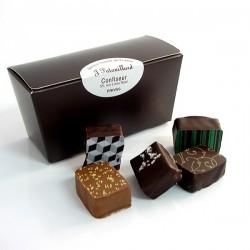 Ballotin de chocolats fins assortis 100g
